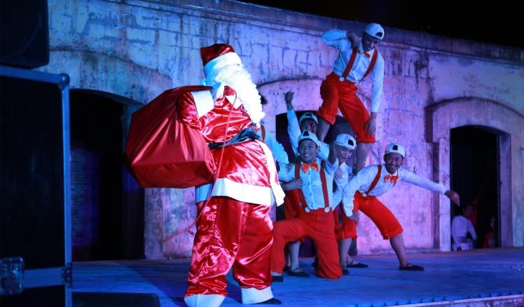 Estacion de Angeles hosts Christmas Events.jpg